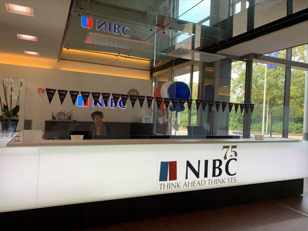 foto NIBC Den Haag - belettering balie